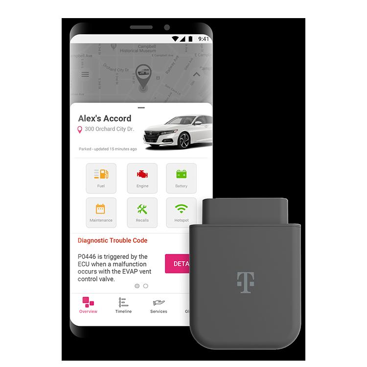 DispositivoSync-up drive para enchufar junto a un smartphone que muestra la ubicación del auto y un código de diagnóstico de problemas.
