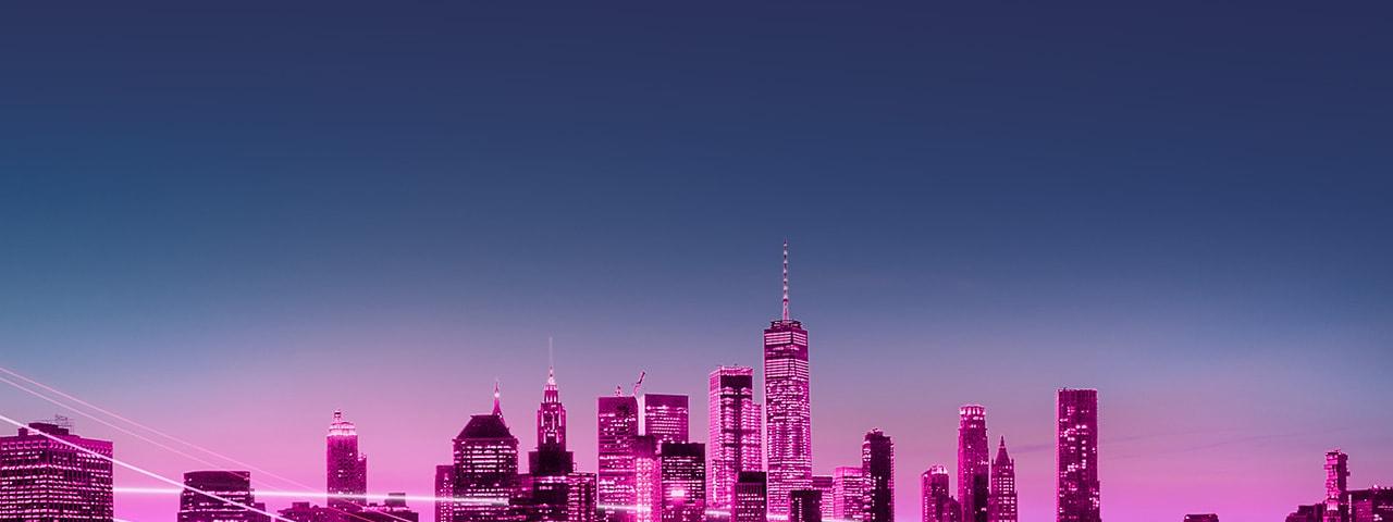 Paisaje urbano del centro de Manhattan, Nueva York en tonos magenta brillantes